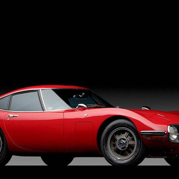 Este modelo fue creado para demostrar que Toyota podía hacer autos que causaran furor. Vendido por casi un millón de dólares.