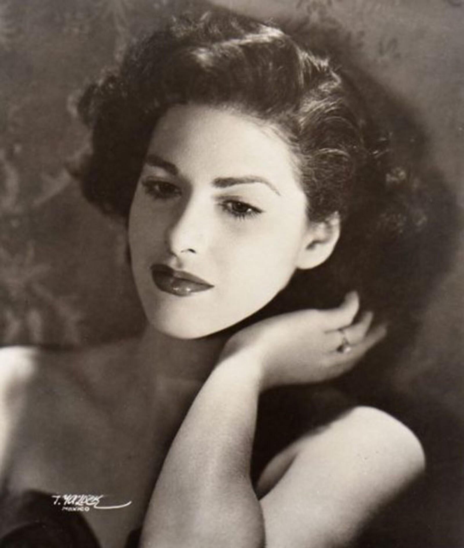 La actriz sólo se casó una vez con Manuel Gonazález Ortega con quien tuvo una hija llamada María.