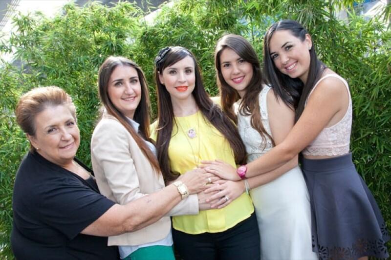 Las mujeres Torre: Mary, Suzel, Andrea, María y Fátima..