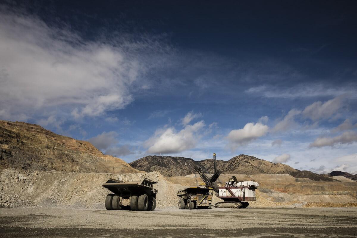 Grupo México y Newmont inician reducción de operaciones mineras por Covid-19