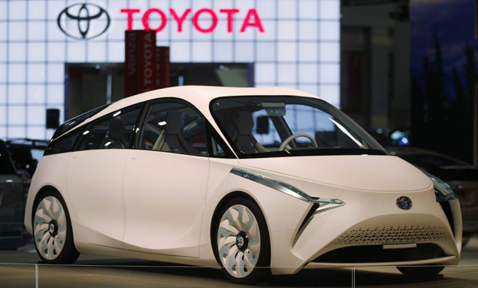 Se presentaron más de 700 modelos y diseños de autos en el Auto Show de Washington DC. Este diseño corresponde al Toyota FT-BH.