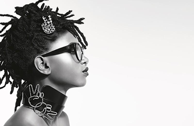 Una nueva faceta de la firma francesa ha comenzado. De la mano de la hija de Will Smith, Karl Lagerfeld ha creado una campaña rebelde y atrevida a la vez. Descúbrela.