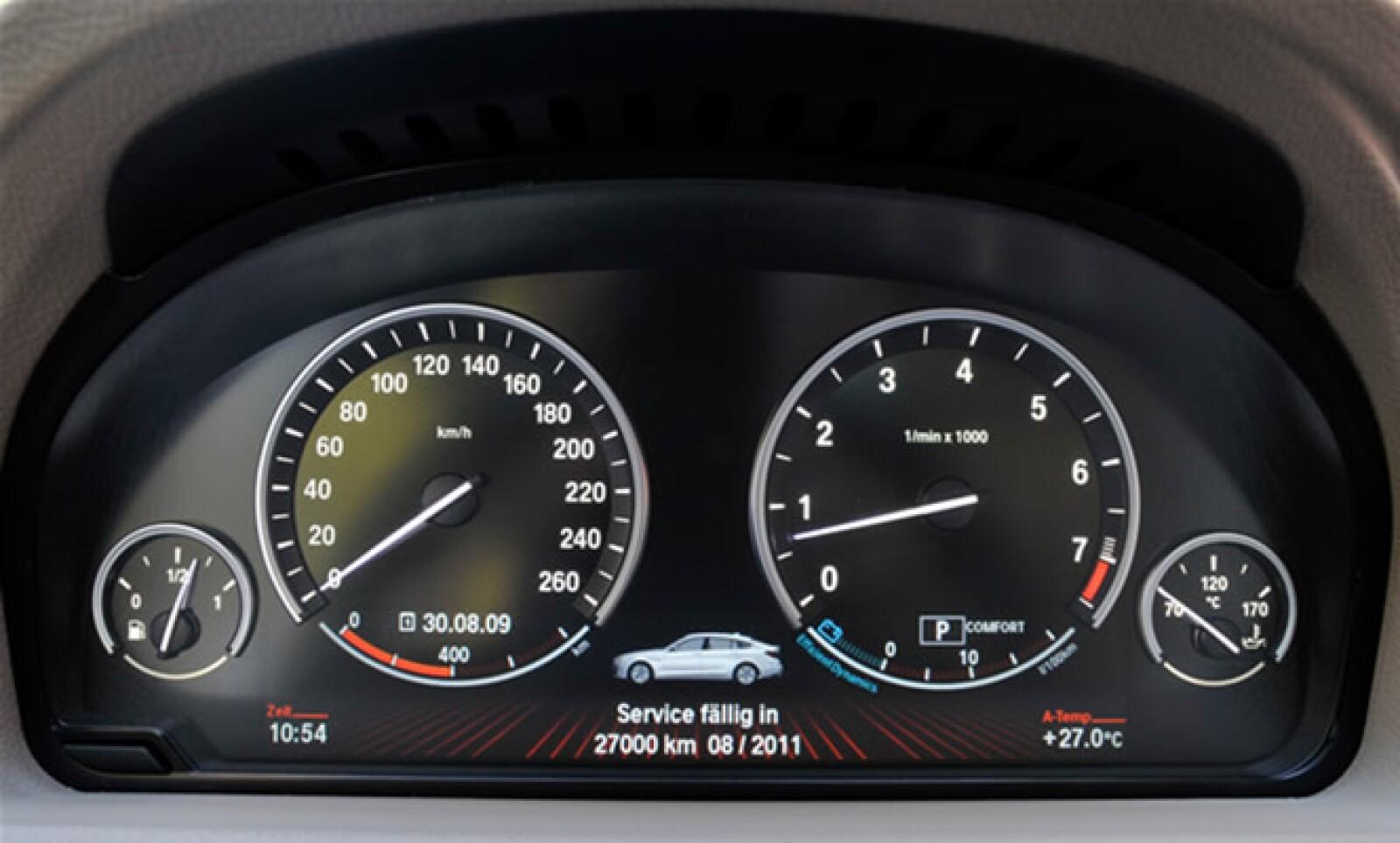 Cuenta con una aceleración de 0–100 km/h  en 6.3 segundos, y su velocidad máxima es de 250 km/h.