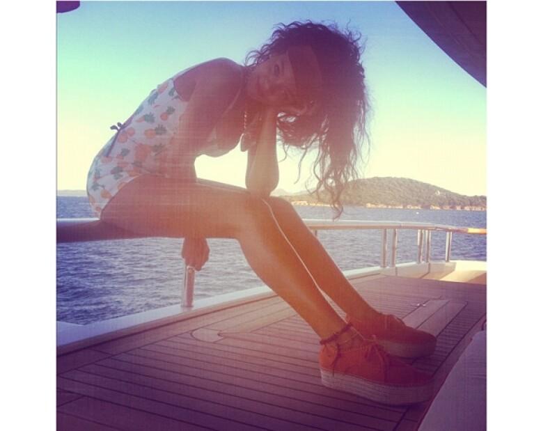 Una vez más, la cantante usó su Twitter para compartir con sus más de 22 millones de seguidores imágenes de su viaje por el viejo contienente.