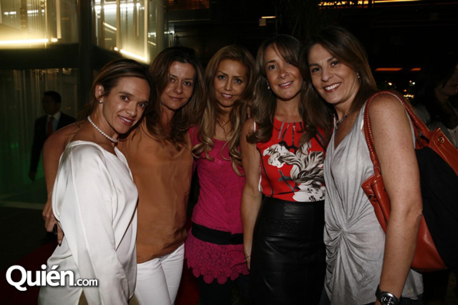 Sandra Fernández, Magaly Kuri, Paulina Sierra, Paula Ruiloba y Martha Contreras