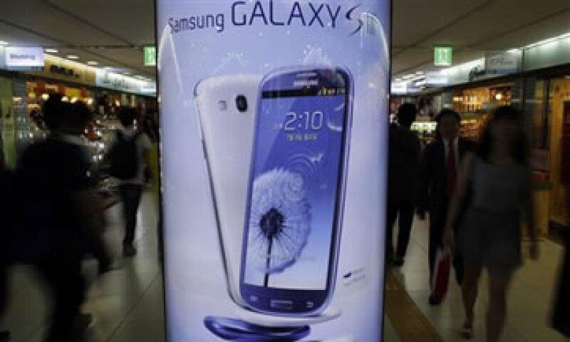 En Seúl, las acciones de Samsung subieron 1.48% tras la decisión.  (Foto: AP)