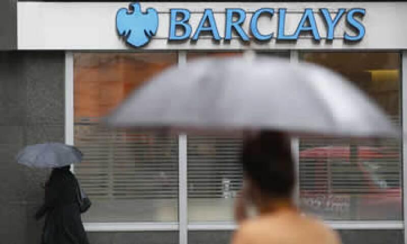 La autoridad inhabilitó al exoperador y lo multó por aprovecharse de las debilidades en los sistemas del banco. (Foto: Reuters)