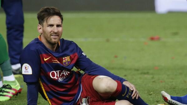 El astro argentino Diego Maradona aseguró a Pelé que Lionel Messi no tiene la personalidad suficiente para ser líder.