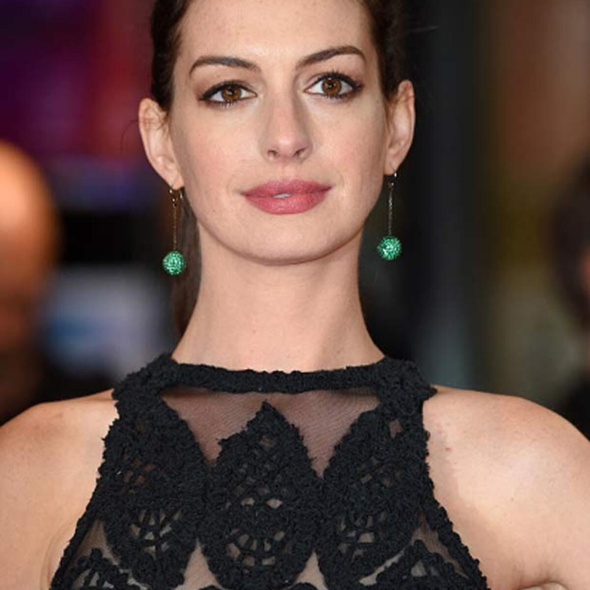 Anne Hathaway, Embarazada De Su Primer Hijo