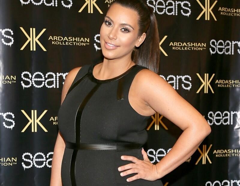 Kim Kardashian subió 2.5 kilos por mes de embarazo dando un total de 22 kilos y medio. No precisamente lo que toda mujer pide para Navidad.