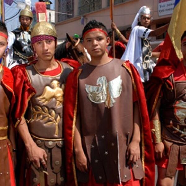 Jovenes romanos soldados