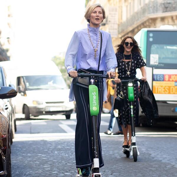 Street Style : Paris Fashion Week Womenswear Spring/Summer 2019 : Day Four