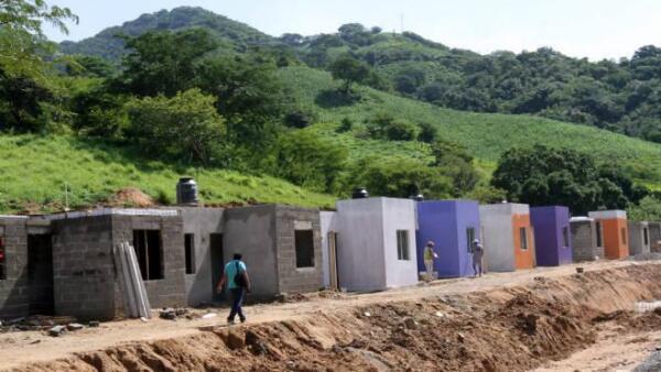 Reconstrucci�n de casas en Guerrero tras lluvias