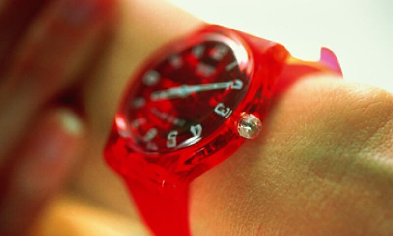 En 1979, la relojería suiza dio un golpe de efecto contra los relojes asiáticos con el Concord Delirium, el reloj más plano del mundo, que fundó las bases para el reloj de plástico. (Foto: Getty)