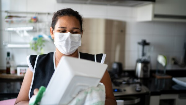 Créditos a la palabra trabajadoras del hogar