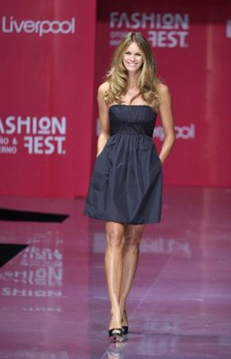 La top model australiana llegó para participar en el Liverpool Fashion Fest, realizado este jueves, aunque se quedará hasta el domingo para aprovechar y hacer un pequeño tour por la ciudad.