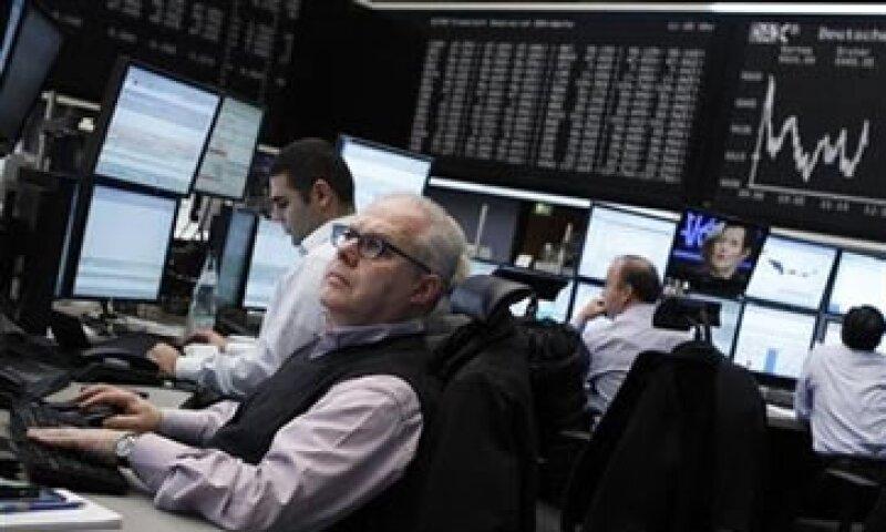 El foco de los inversores estuvo en el incremento del cortafuegos de la eurozona. (Foto: Reuters)
