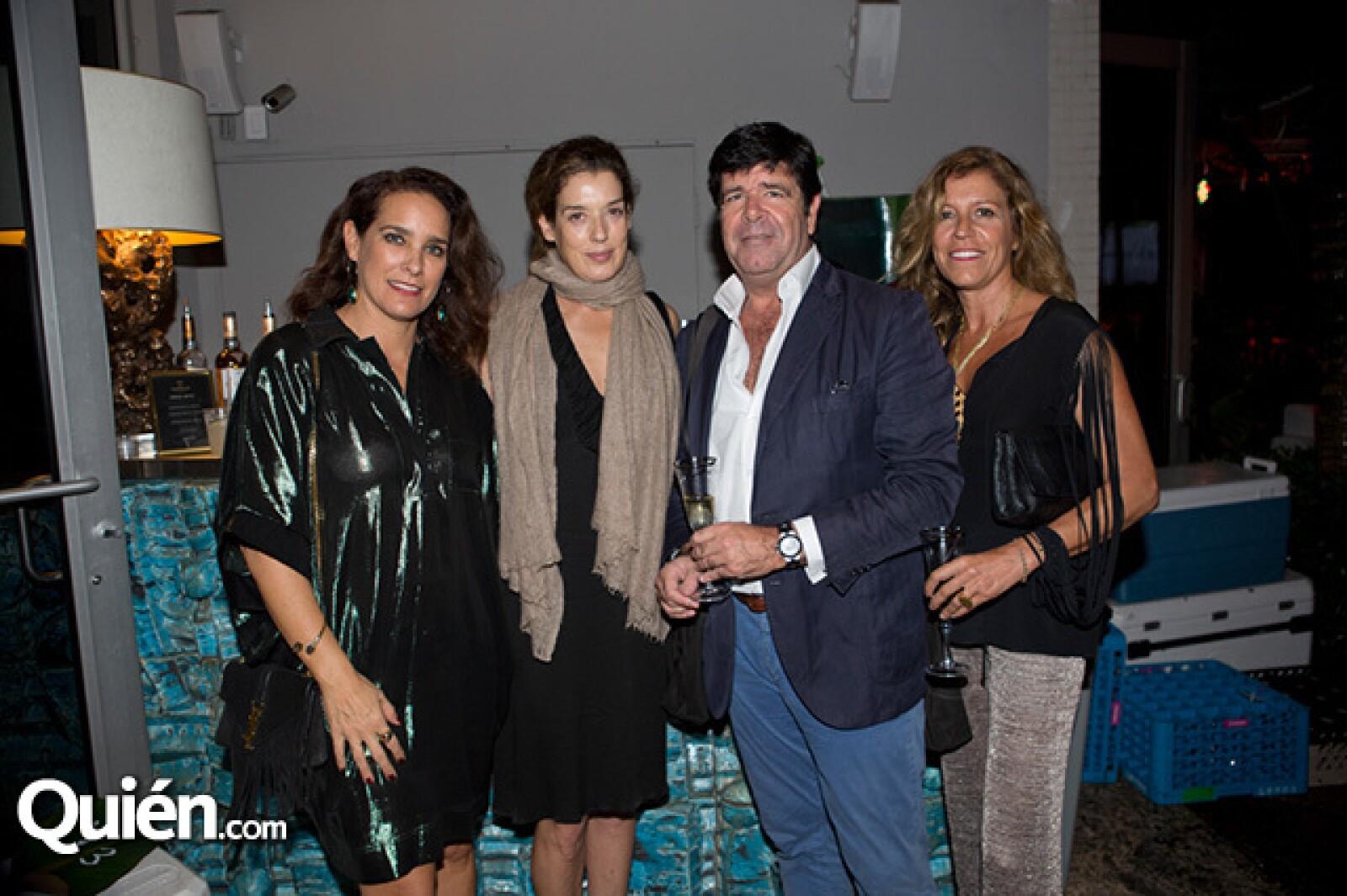 Sofía Partida,Nicolle Mayer,Paula Matosgil y José Duarte