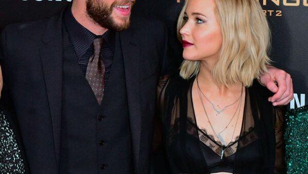 La actriz ha confesado que besó a su compañero de reparto en la franquicia &#39Los Juegos del Hambre&#39 fuera de pantalla.
