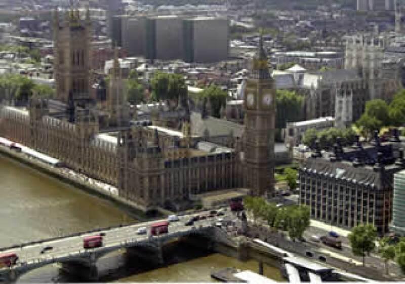 El alza en el indicador podría reflejar que lo peor de la recesión quedó atrás para Gran Bretaña. (Foto: AP)
