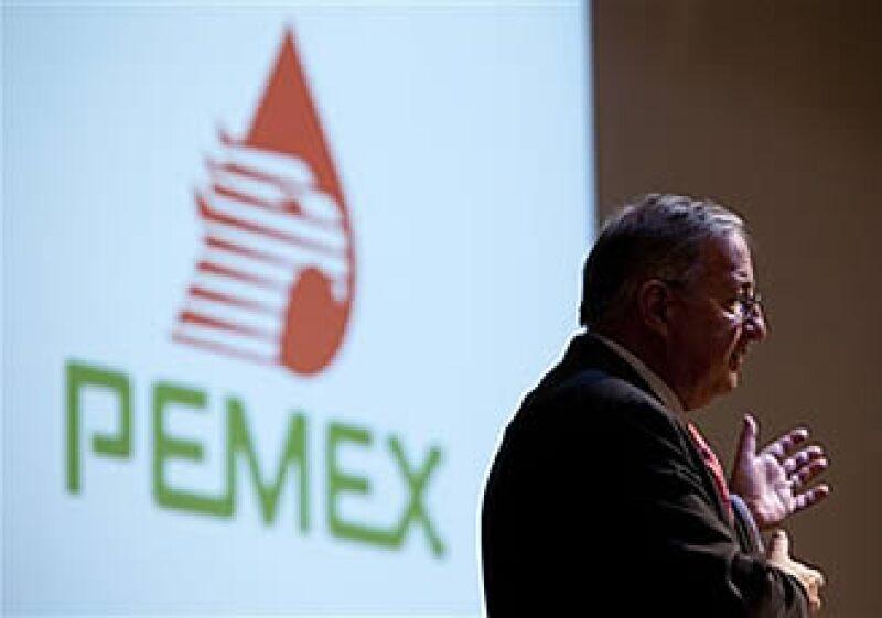 Jesús Reyes Heroles, director de Pemex, espera la entrega de las hectáreas por parte de los estados. (Foto: AP)