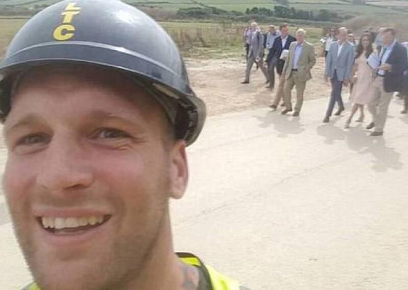 Esta es la selfie que Sam Wayne logró tomar al chiflarle a Kate Middleton.