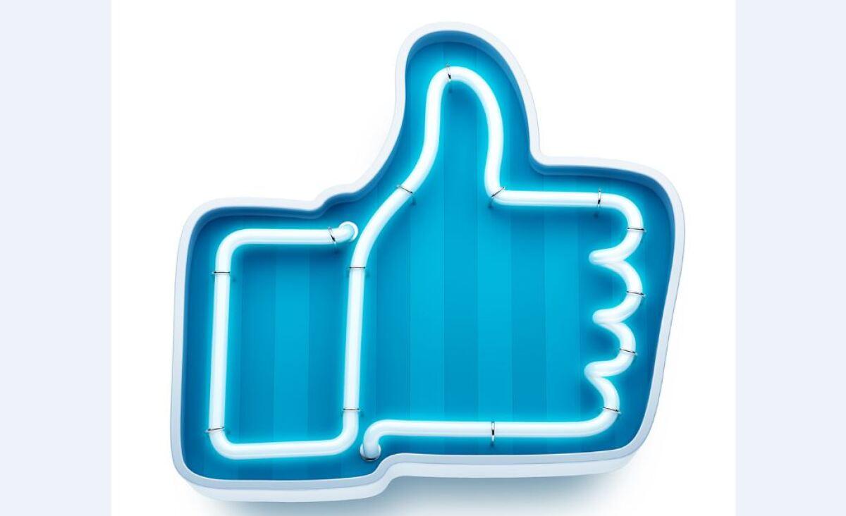 La junta directiva de Facebook le da respaldo a Sandberg contra George Soros