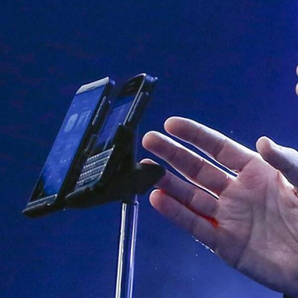 Los dos nuevos smartphones son el BlackBerry Q10, con un teclado físico, y el BlackBerry Z10, con pantalla touchscreen.