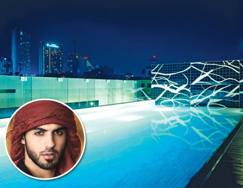 TERRAZA HOTEL HABITA. Abrió sus puertas en 2000, y en 2013 hicimos nuestro coctel para presentar al hombre más guapo del mundo, Omar Borkan.