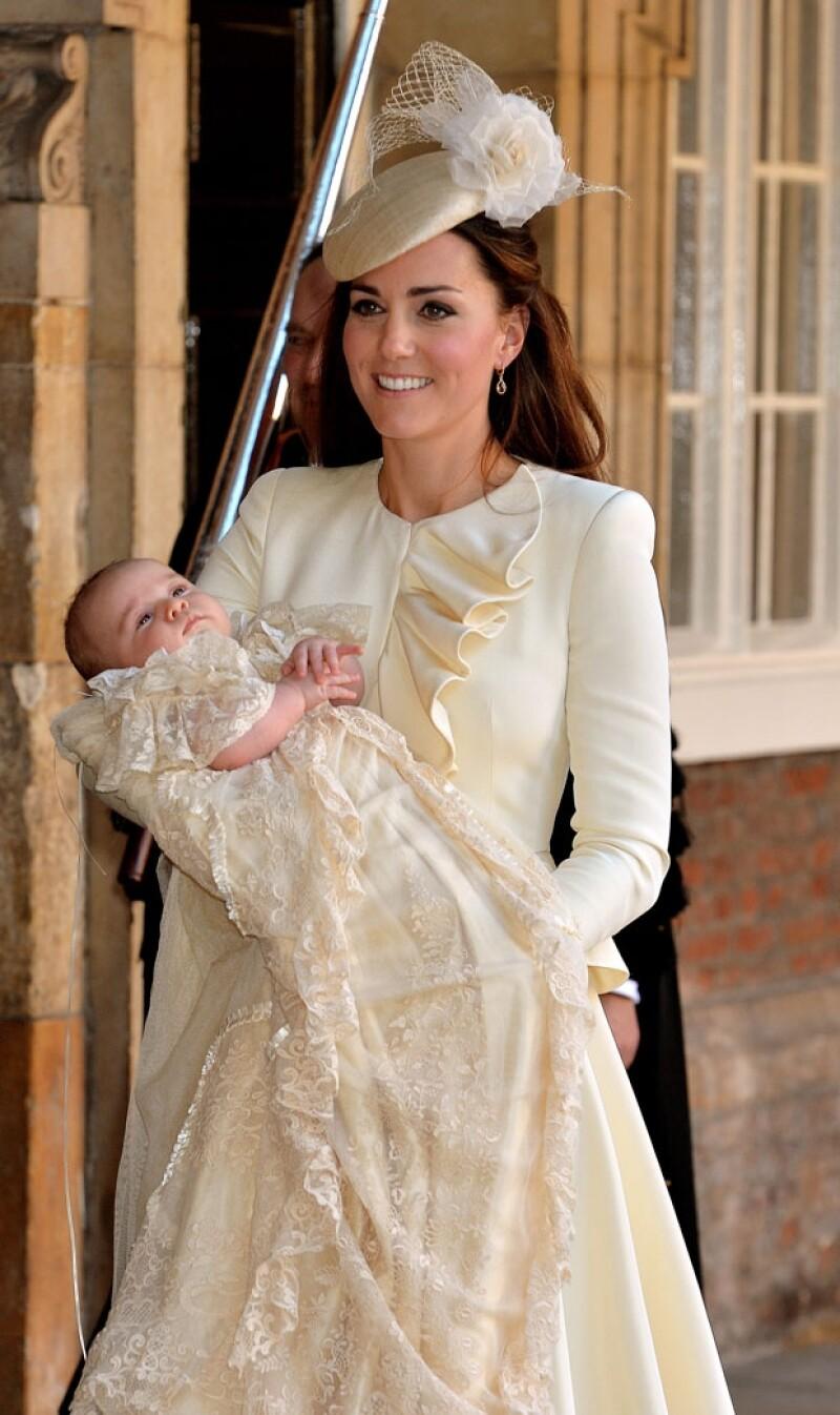 La Duquesa de Cambridge causó admiración al lucir este exquisito Alexander McQueen.