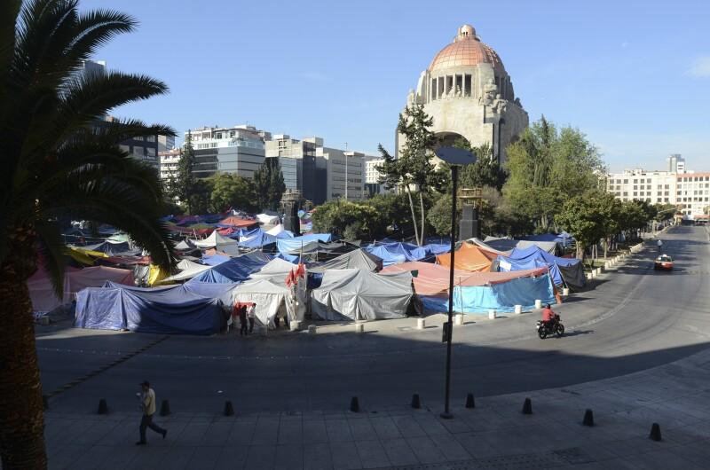 El Monumento a la Revolución fue sede de un plantón de los integrantes de la CNTE.