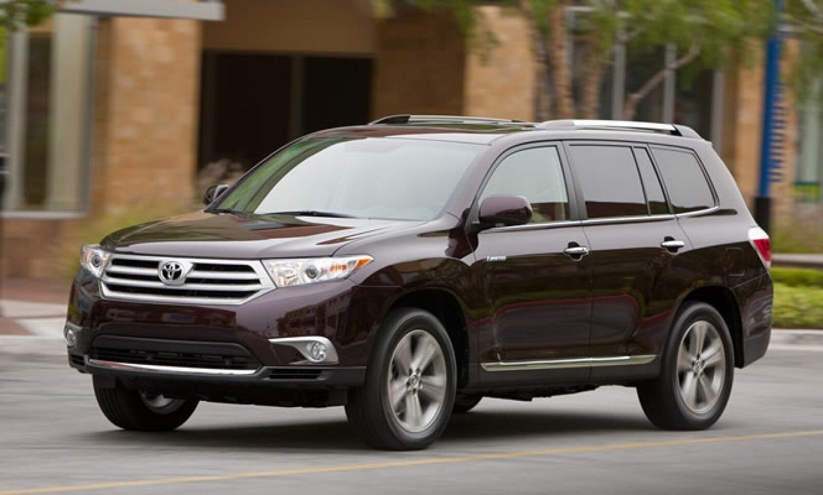 La venta del modelo Highlander de Toyota comenzó en junio del 2007, justo con la llegada de la segunda generación a México. Desde entonces, la camioneta no había presentado ningún cambio en sus especificaciones.