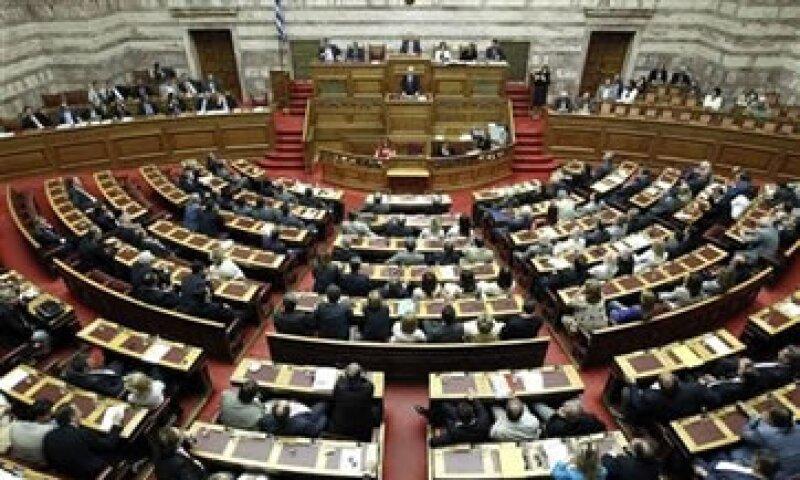 La decisión impedirá al país caer en cese de pagos. (Foto: Reuters)