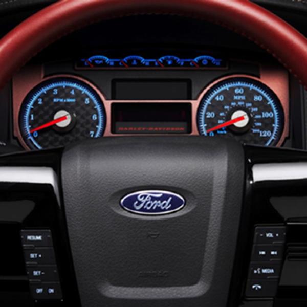 Los controles y la consola central están adecuadamente distribuidos para la facilidad de manipulación, sin sacrificar la conducción