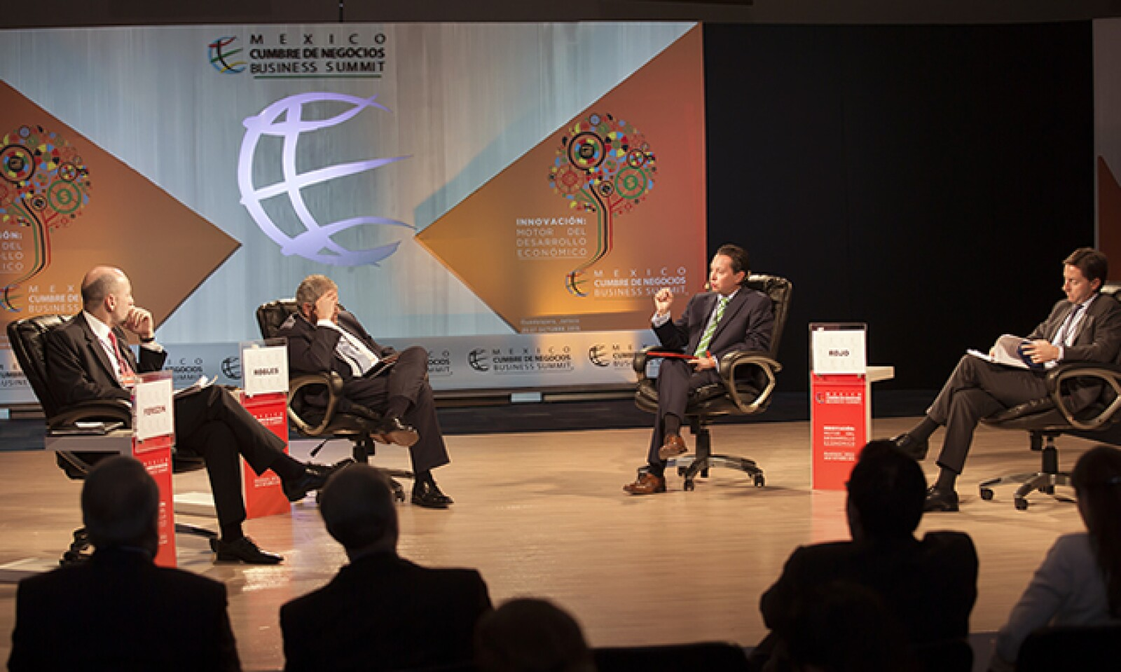 General Electric, el gobierno israelí y la Secretaría de Estado de EU compartieron sus experiencias en la Cumbre de Negocios 2015.
