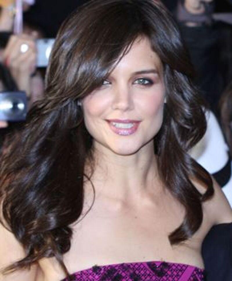 La actriz estrenó corte de pelo en la premiere de Operación Valquiria en Tokio.