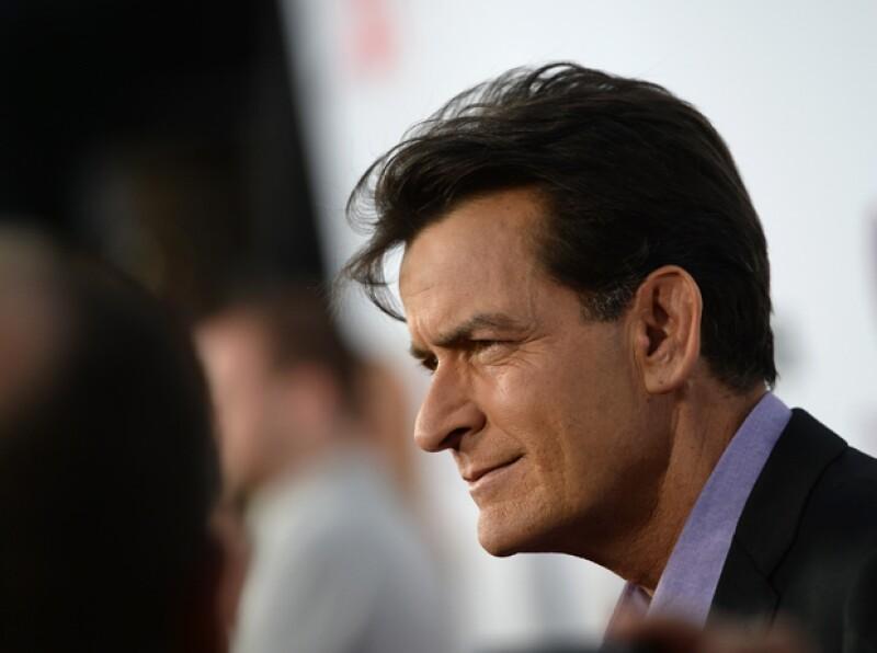 Tras la confesión de Charlie Sheen sobre ser VIH positivo, recordamos a otros famosos que han hecho públicos importantes aspectos de su vida privada.