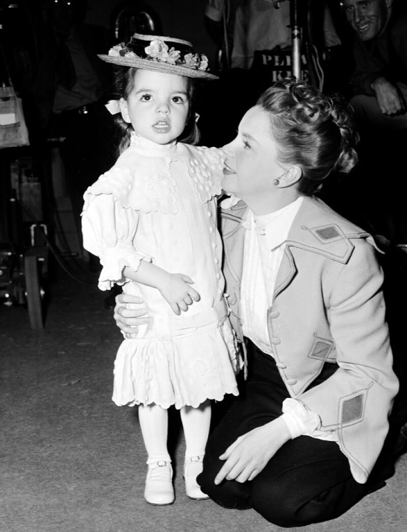 Liza con su mamá Judy Garland.