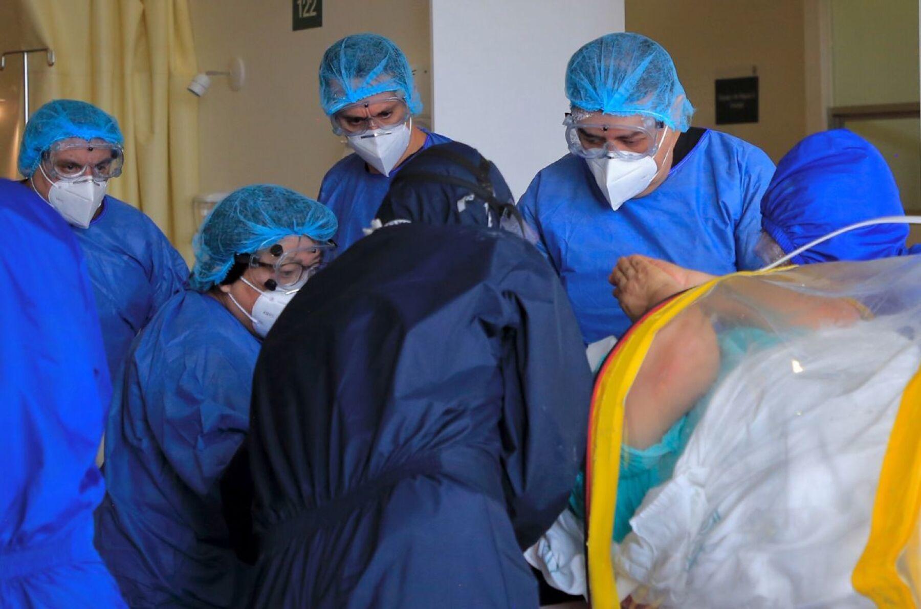 Atención médica de pacientes derechohabientes del IMSS, en el Autodromo Hermanos Rodríguez, sospechosos de Covid 19