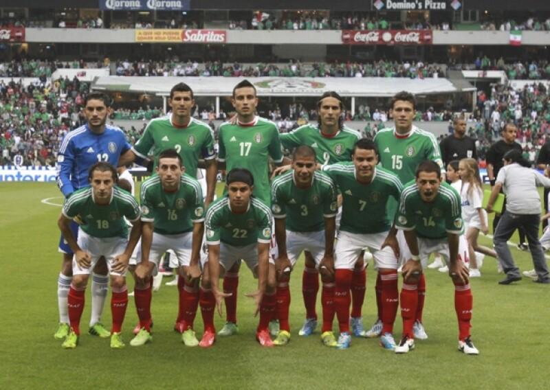 Varios testigos coincidieron en haber visto a jugadores y cuerpo técnico de la Selección mexicana divirtiéndose con alcohol y mujeres, las tres noches en que supuestamente se encontraban concentrados.