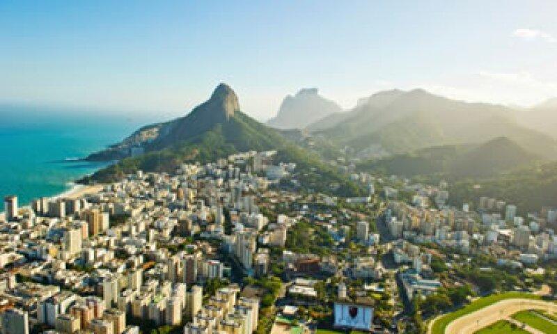 En Pavão-Pavãozinho los residentes son asesorados por expertos en marketing para crear un registro de vecinos que alquilarán sus casas a turistas. (Foto: Getty Images)