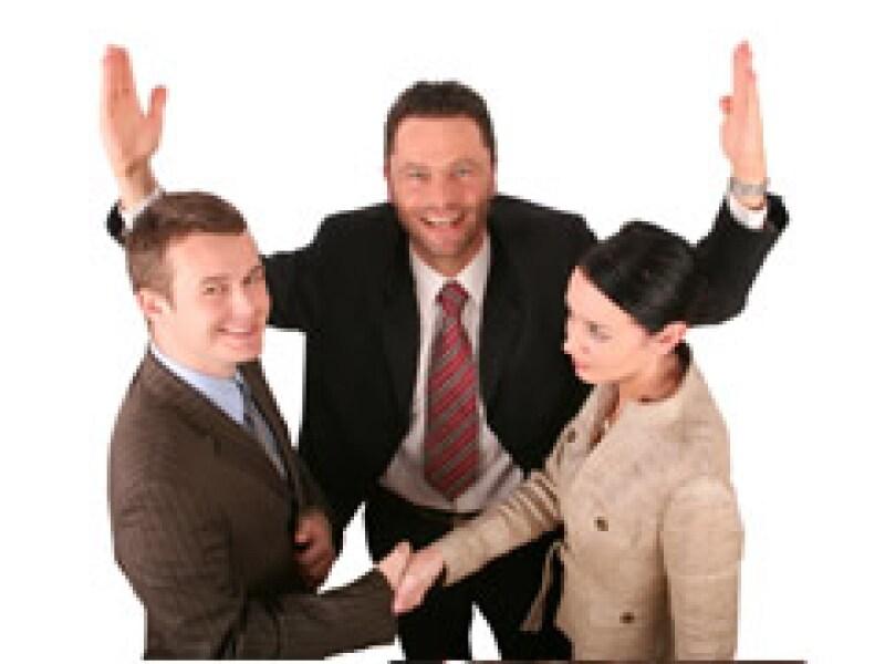 Un mediador externo es una buena opción para tener relaciones laborales exitosas. (Foto: Archivo)