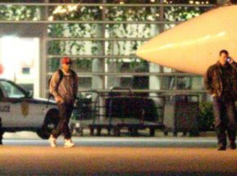 Luego de que la cantante y Chris Brown pasaran el fin de semana en Miami, los parientes de la estrella aseguran que no están de acuerdo en que la pareja haya retomado su relación.
