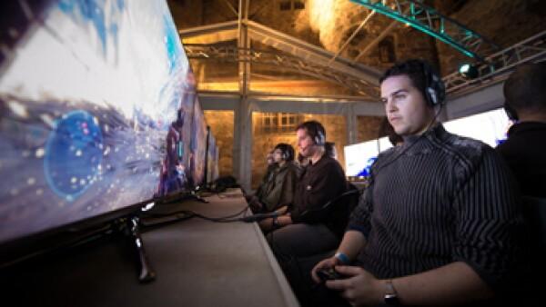 La nueva Xbox responde al alanzamiento de la PlayStation 4 de Sony.   (Foto: Reuters)