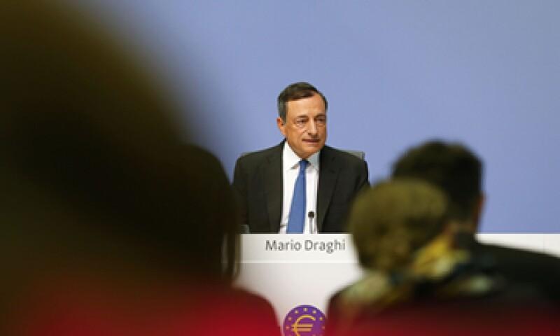 Mario Draghi dijo que se espera un crecimiento del 1.4% en la zona del euro para 2015. (Foto: Reuters)