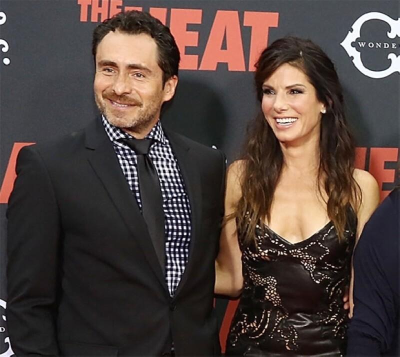 """El actor mexicano y la ganadora del Oscar engalanaron con sus sonrisas la alfombra roja de la película """"The Heat"""" en la que ambos comparten créditos."""