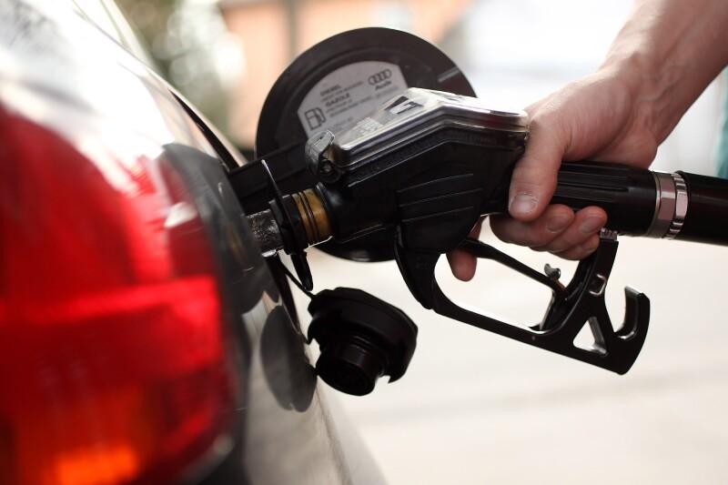 La AIE estimó que los subsidios a gasolinas subieron a 409,000 mdd en el 2010 desde los 312,000 mdd del 2009. (Foto: Thinkstock)