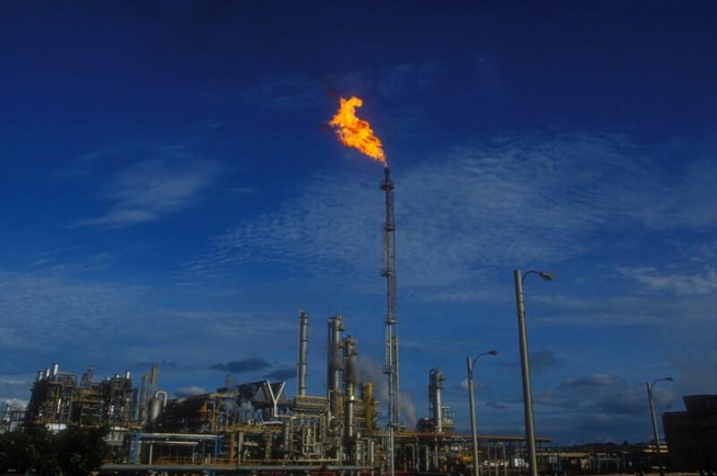 De acuerdo con la Secretaría de Energía, la Reforma Energética podría atraer hasta US$10,000 millones de inversión adicional anual y generar 500 mil nuevos empleos tan solo en el sector energético. (Foto: iStock)