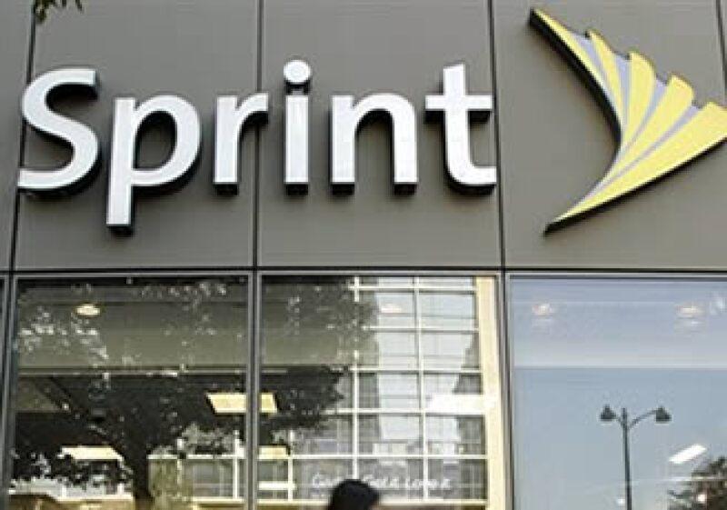 La empresa Sprint Nextel transferirá parte de su planta a Ericsson para hacer frente a costos operativos. (Foto: AP)