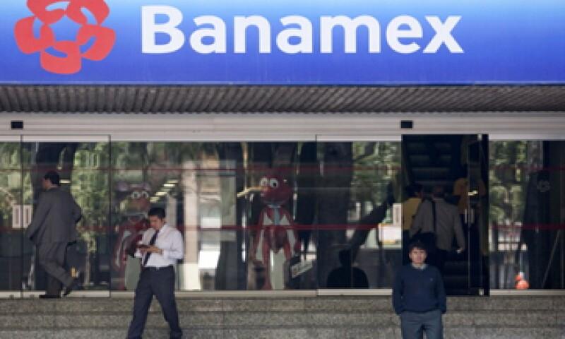 La institución con mayor número de reclamos por consumos no reconocidos en tarjetas de crédito y débito es Banamex. (Foto: Getty Images)